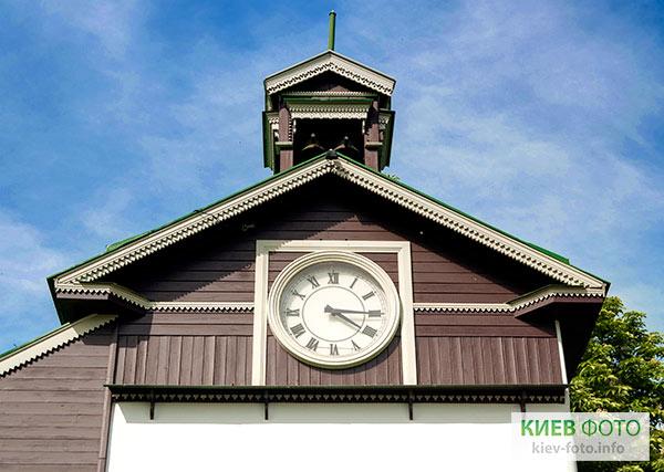 Баштовий годинник Іонинського монастиря