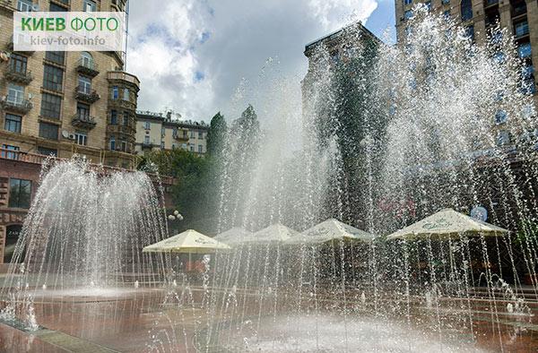 Світломузичний фонтан «Хрещатик»