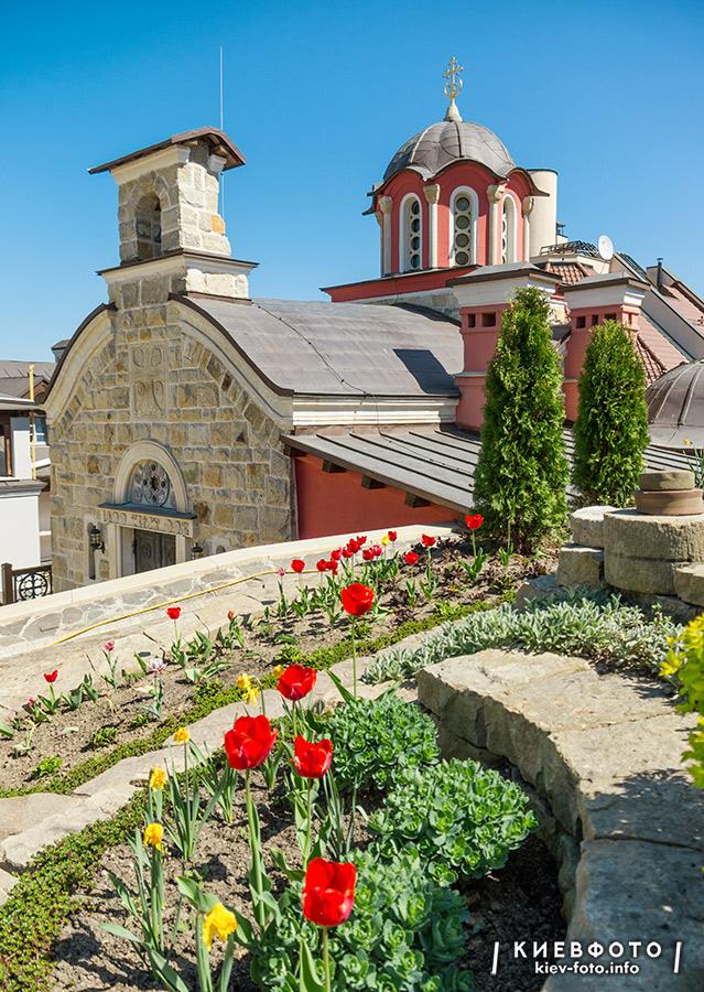 Архангело-Михайлівський Звіринецький монастир. Фото