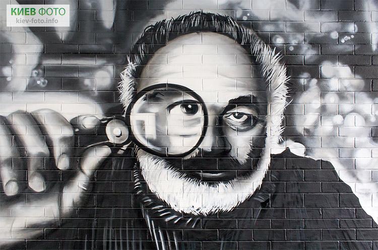 Кінопереход з портретами відомих акторів і режисерів на Подолі