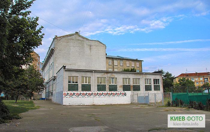 Графіті «Український орнамент» (школа № 138)