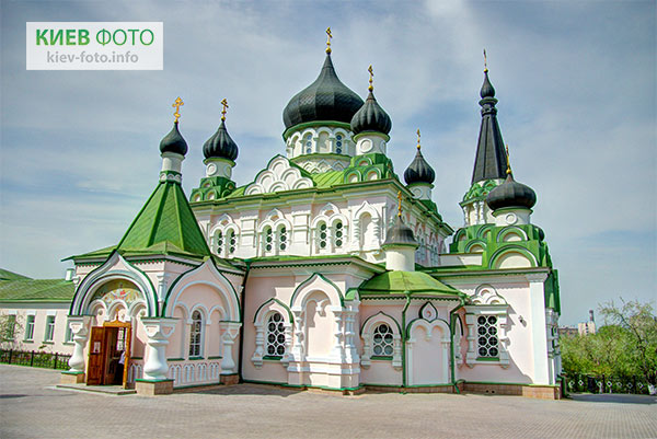 Монастирі Києва
