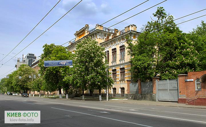 Антоновича 69. Будівля бувш. єврейського училища. 1903-04 рр.