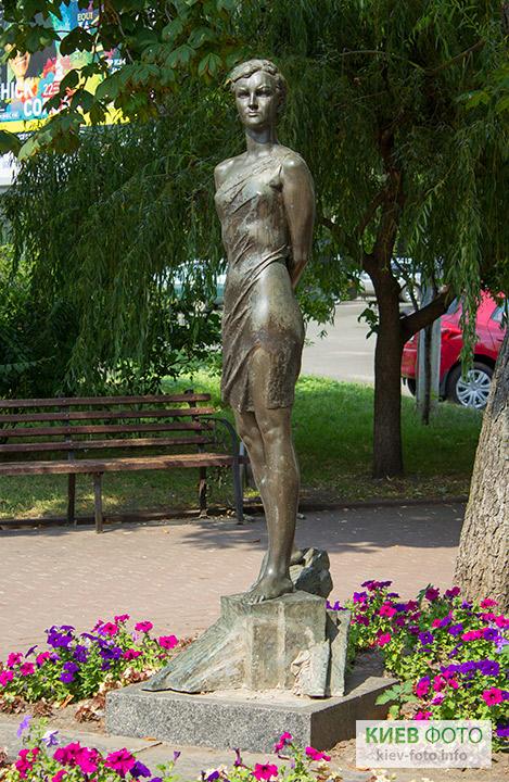 Пам'ятник Зої Космодем'янській