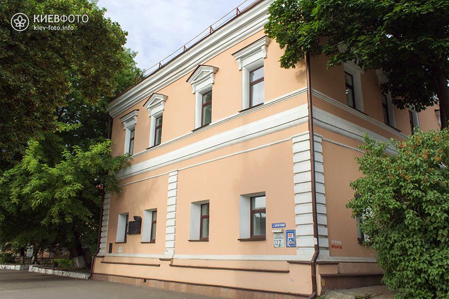 Меморіальна дошка Семену Гулак-Артемовському