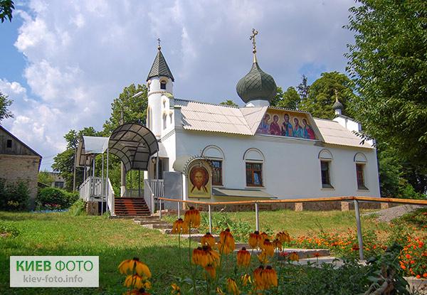 Троїцькі храми Києва