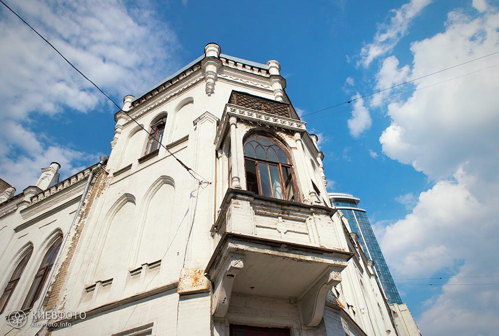 Шевченко 34. Садиба Терещенка. 1874 р. Балкон