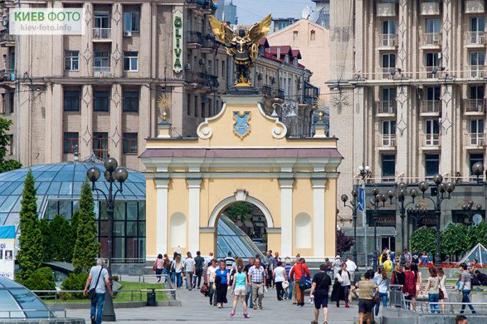 Які основні визначні пам'ятки в Києві (список)
