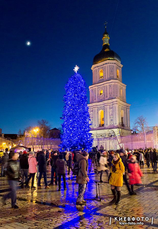 Головна ялинка 2018 на Софійській пл. в Києві