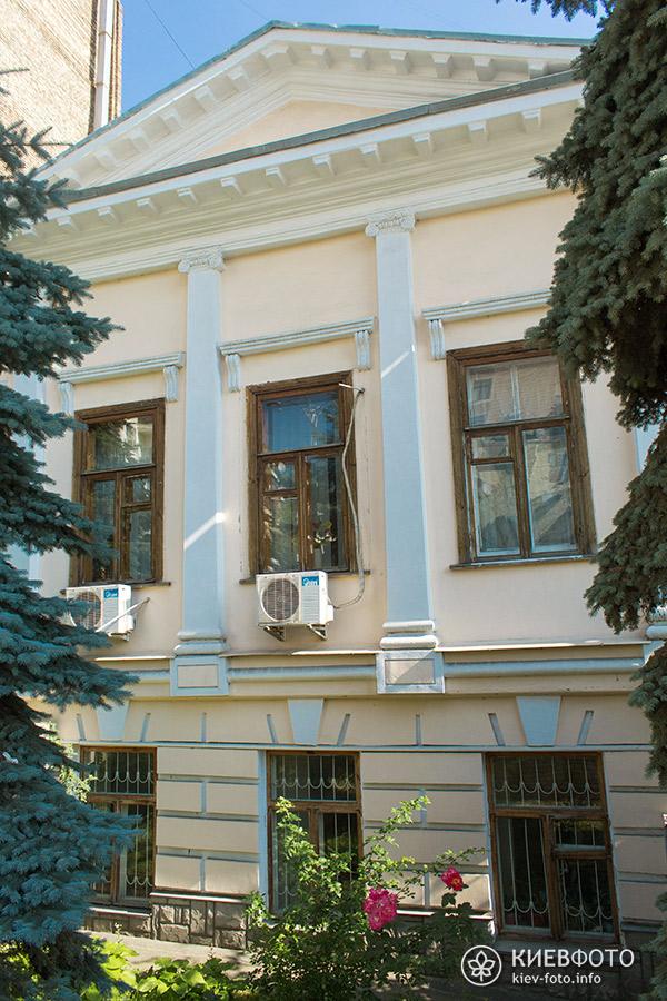 Крутий спуск 4. Житловий будинок. 1846 р.