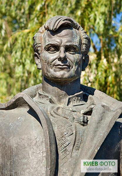Пам'ятник Георгію Гонгадзе та журналістам, які загинули за свободу слова