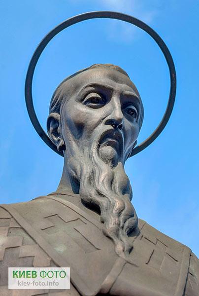 Пам'ятник святому Василію Великому