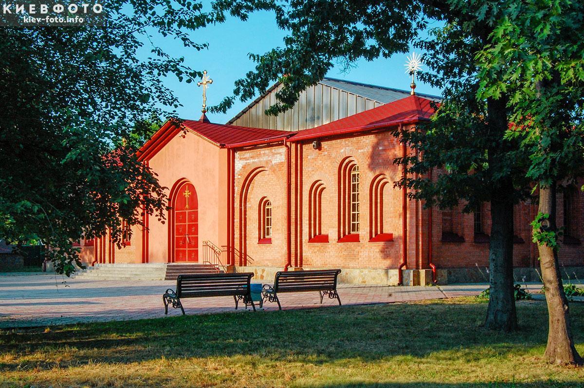 Храмовий комплекс архістратига Михаїла у Дарниці